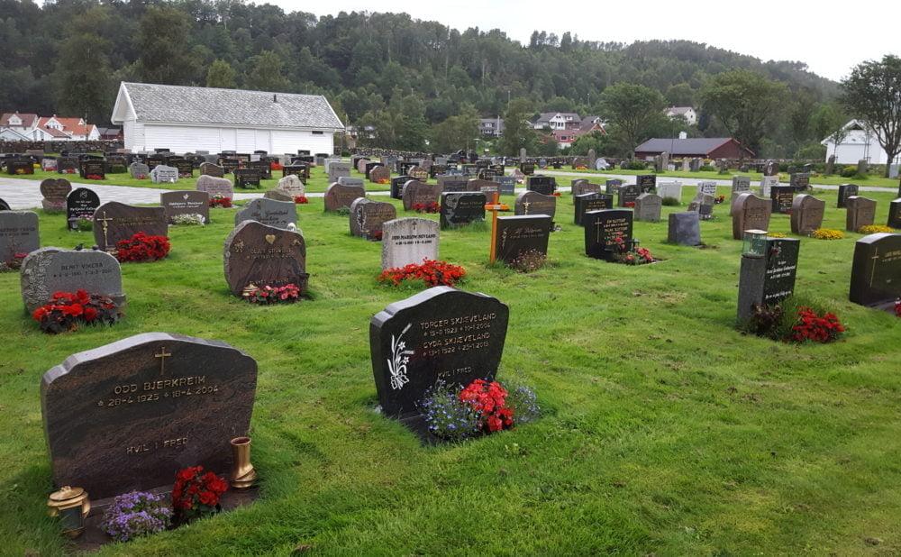 Bjerkreim kyrkjegard