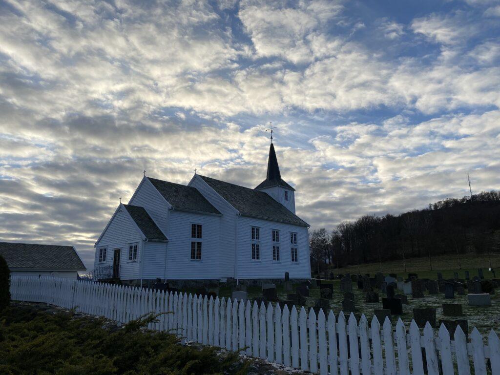 Ivesdal kyrkje